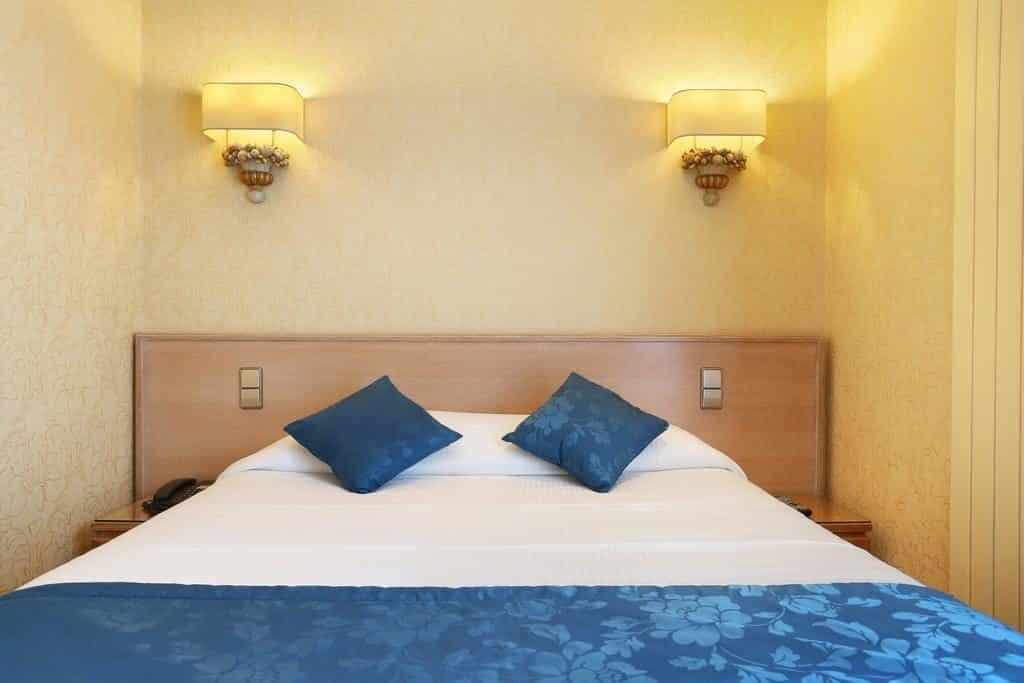 Quarto do Hotel Cécilia Paris para sua de mel