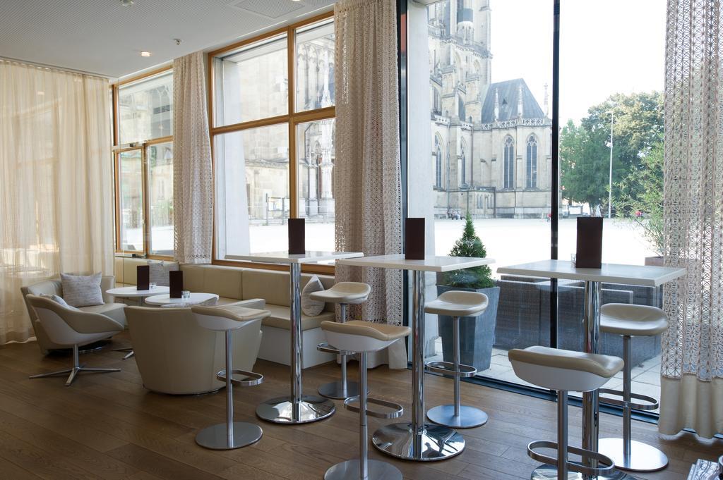 Restaurante com vista Hotel Am Domplatz em Linz