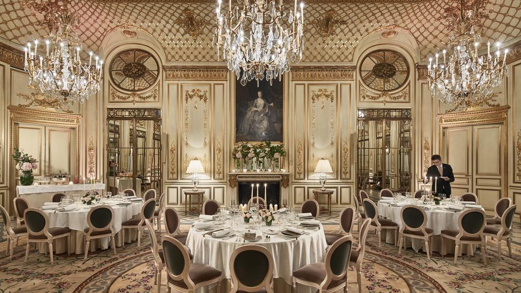 REstaurante no Le Meurice em Paris Lua de Mel