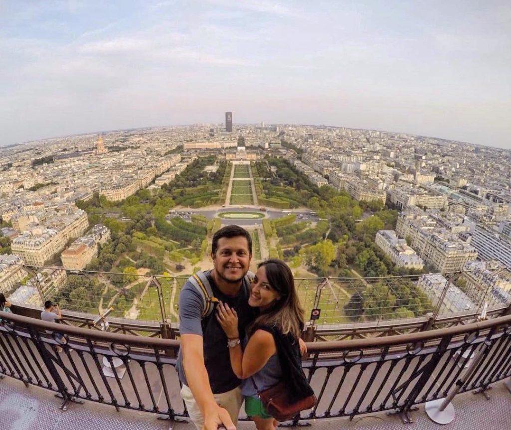 Conhecer a Torre Eiffel na sua lua de mel é passeio obrigatório! Que tal essa vista de lá?
