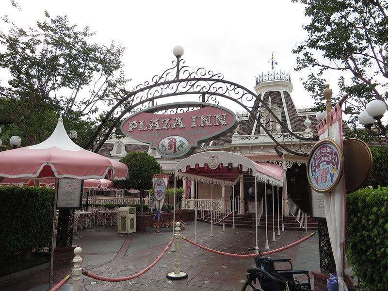 Entrada Plaza Inn, restaurante - que necessita de reserva - na Main Street do Disneyland Park