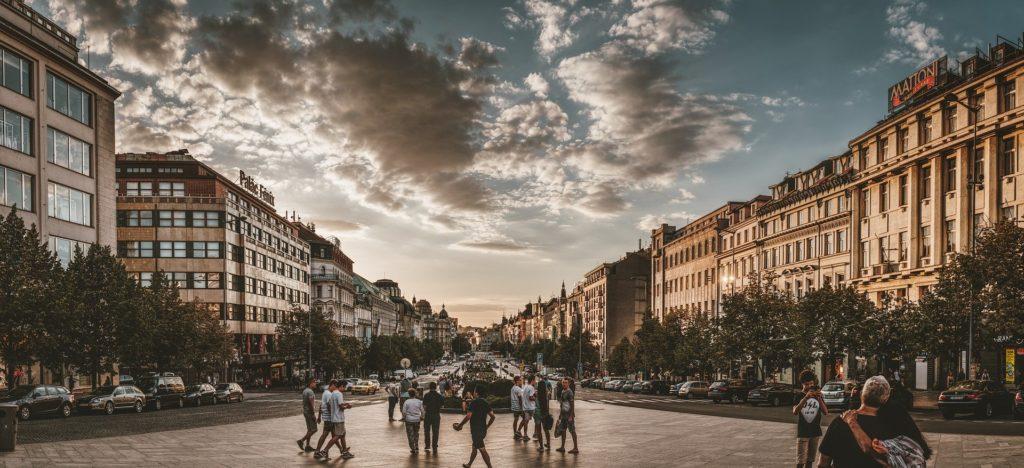 A Praça Venceslau em Praga