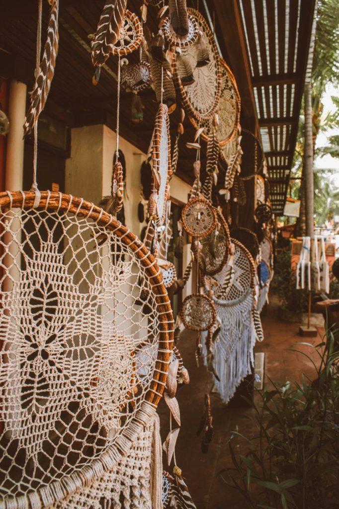 Lindos artesanatos nas lojinhas de Sayulita