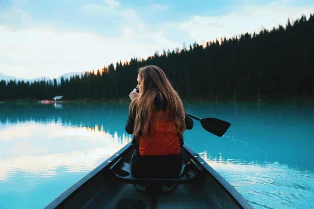 Que tal conhecer as lindas passagens no seu intercâmbio no Canadá - Foto: Lake Louise, Canada