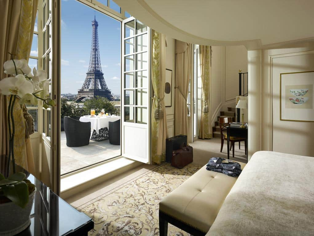 Quarto com vista no Shangri-la Hotel Paris para lua de mel
