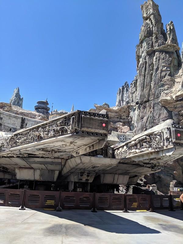 Foto da atração Millenium Falcon no parque Star Wars Galaxy's Edge da Califórnia