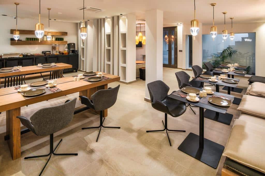 Restaurante da Uma Ray Suites - Onde ficar em Santorini