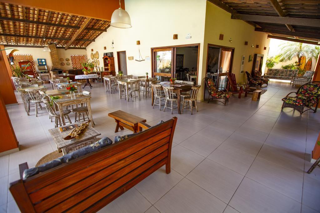 Restaurante do Vivá Barra Hotel Pousada em Barra de São Miguel