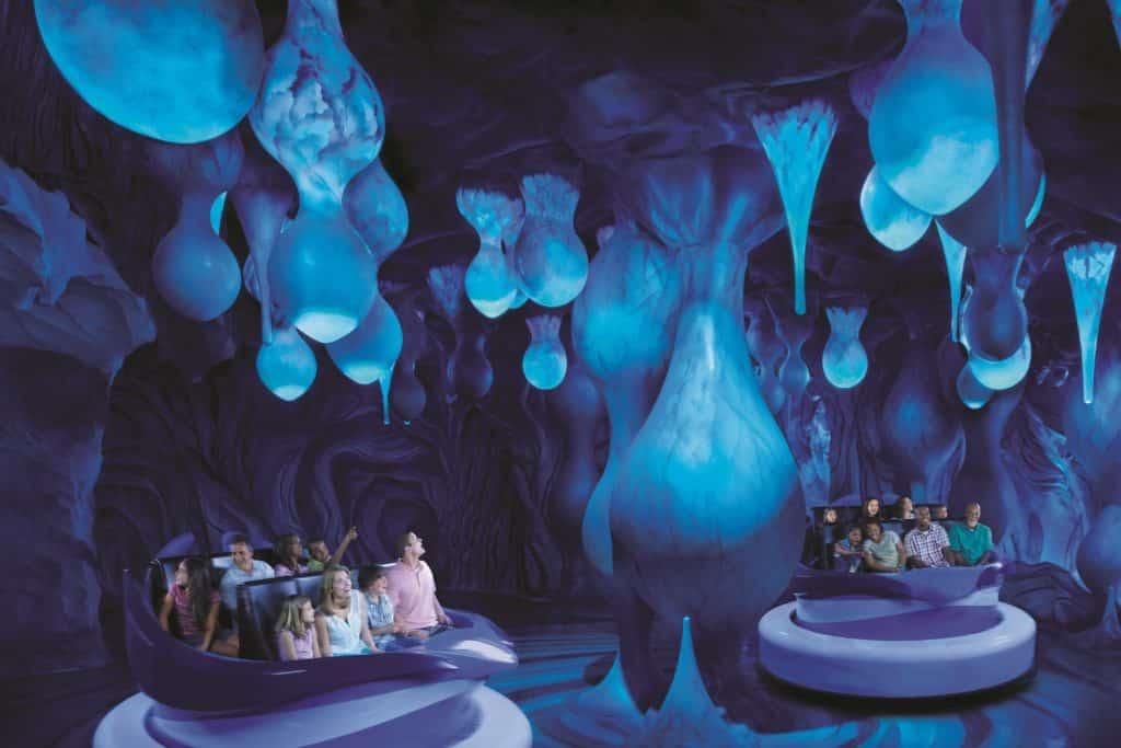 Foto de parte interna da atração Antarctica: Empire of the Penguin, do SeaWorld Orlando