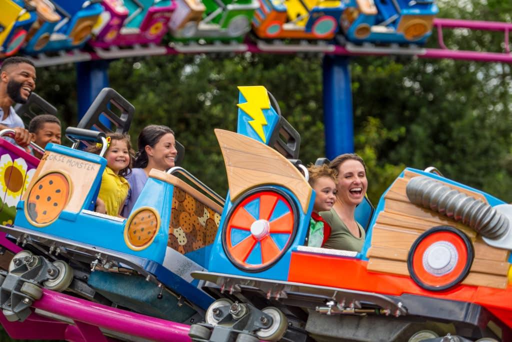 Montanha-russa infantil do SeaWorld Orlando, na área da Sesame Street