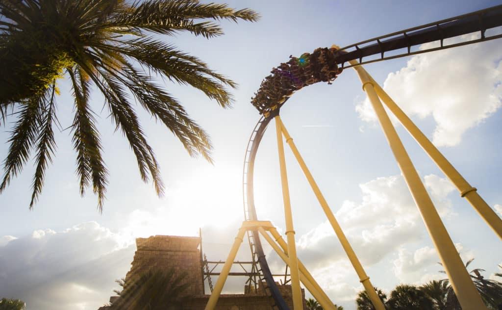 A montanha russa Montu, a com maior quantidade de looping do Busch Gardens