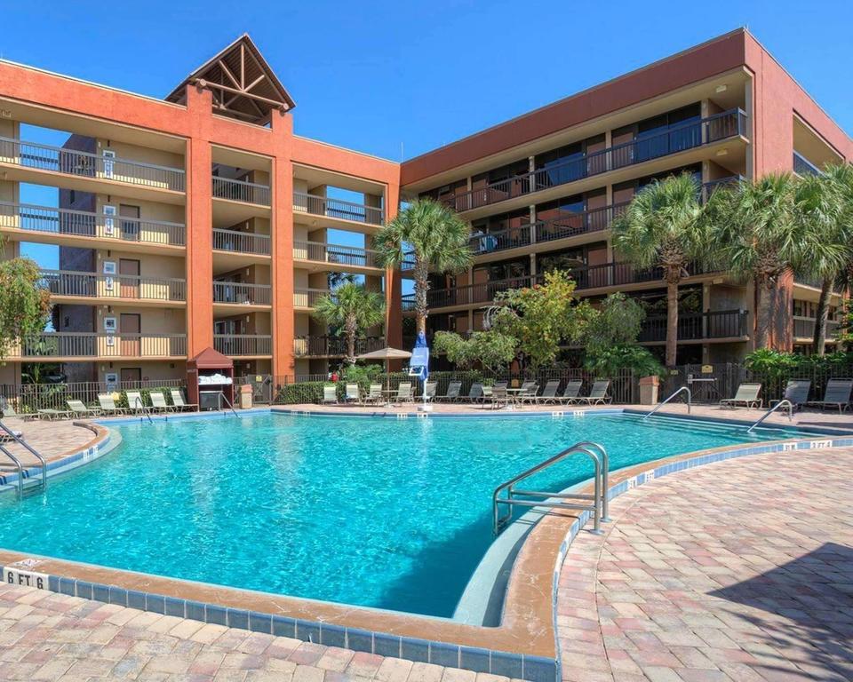 Foto de piscina em área comum do hotel Clarion Inn