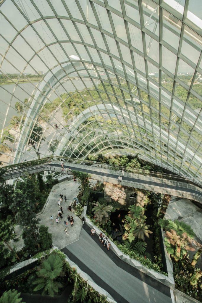 A Cloud Forest vista de cima no Garden by the Bay em Singapura - pontos turísticos de Singapura