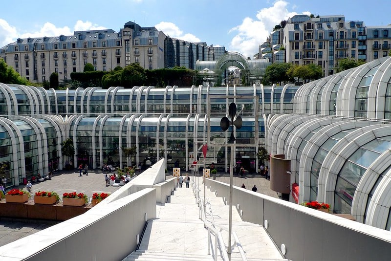Foto de parte do shopping Les Halles, em Paris