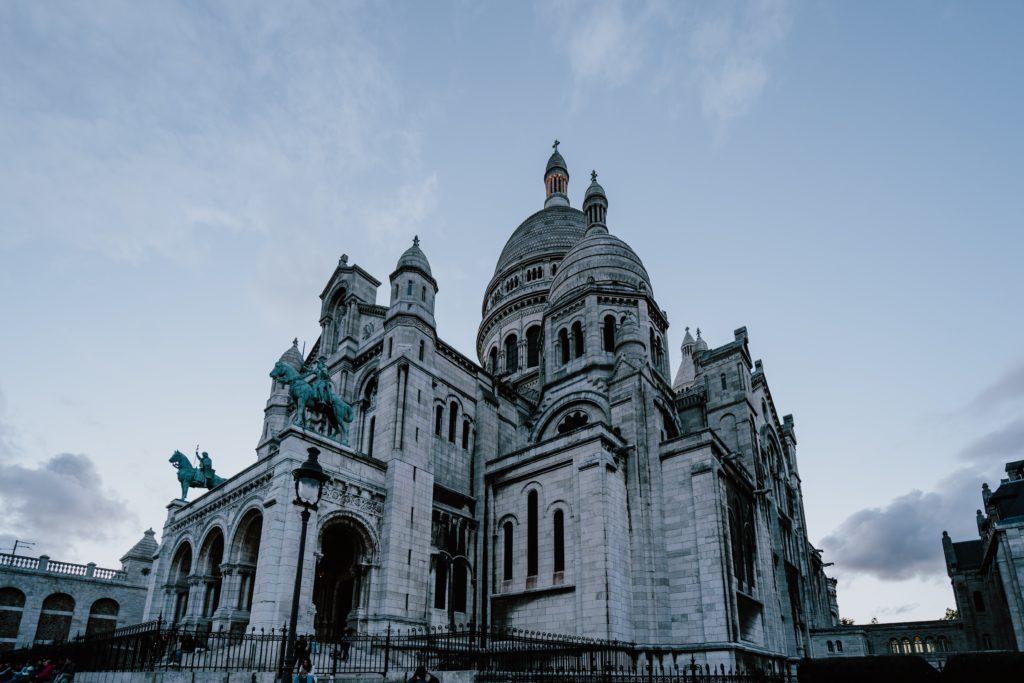 Foto da Basílica de Sacré Coeur, um dos pontos turísticos de Paris