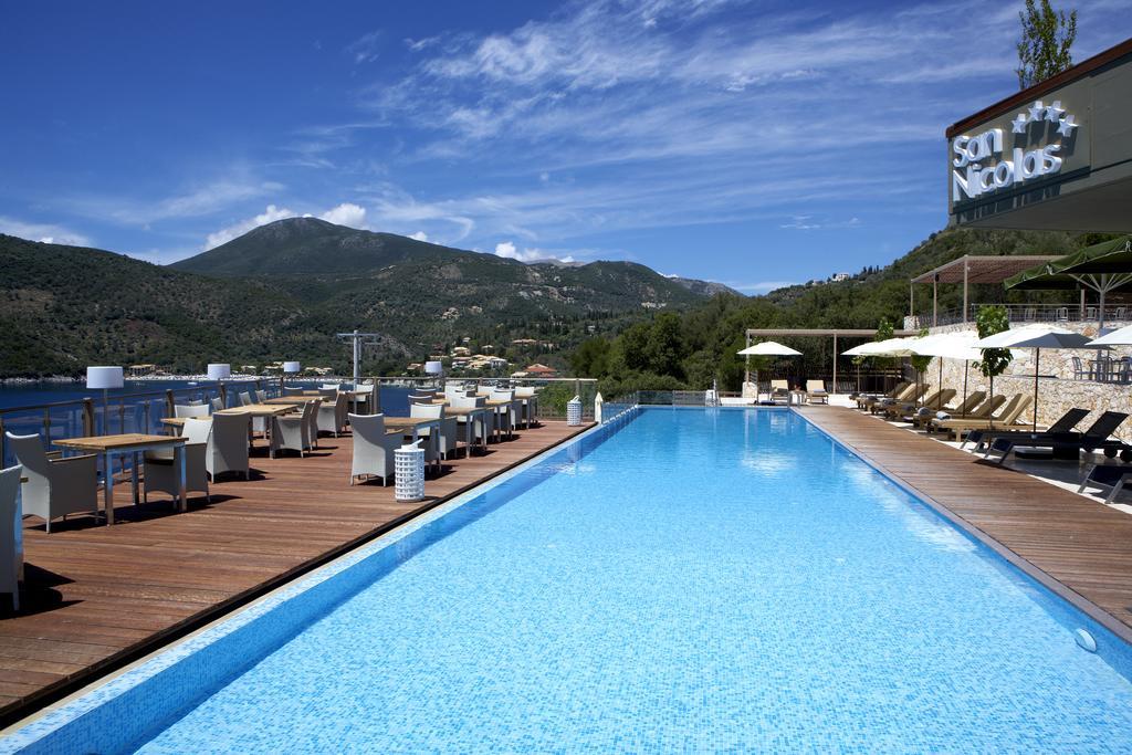 Foto de área de piscina no San Nicolas, resort de Lefkada