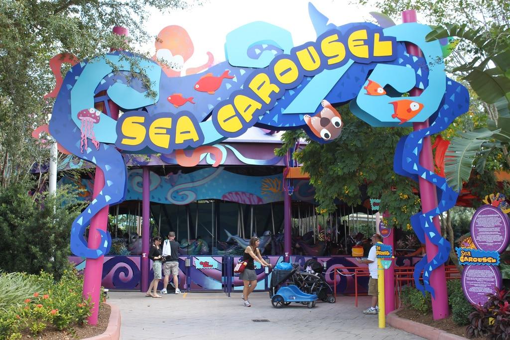 Foto da entrada do Sea Carousel, no SeaWorld Orlando