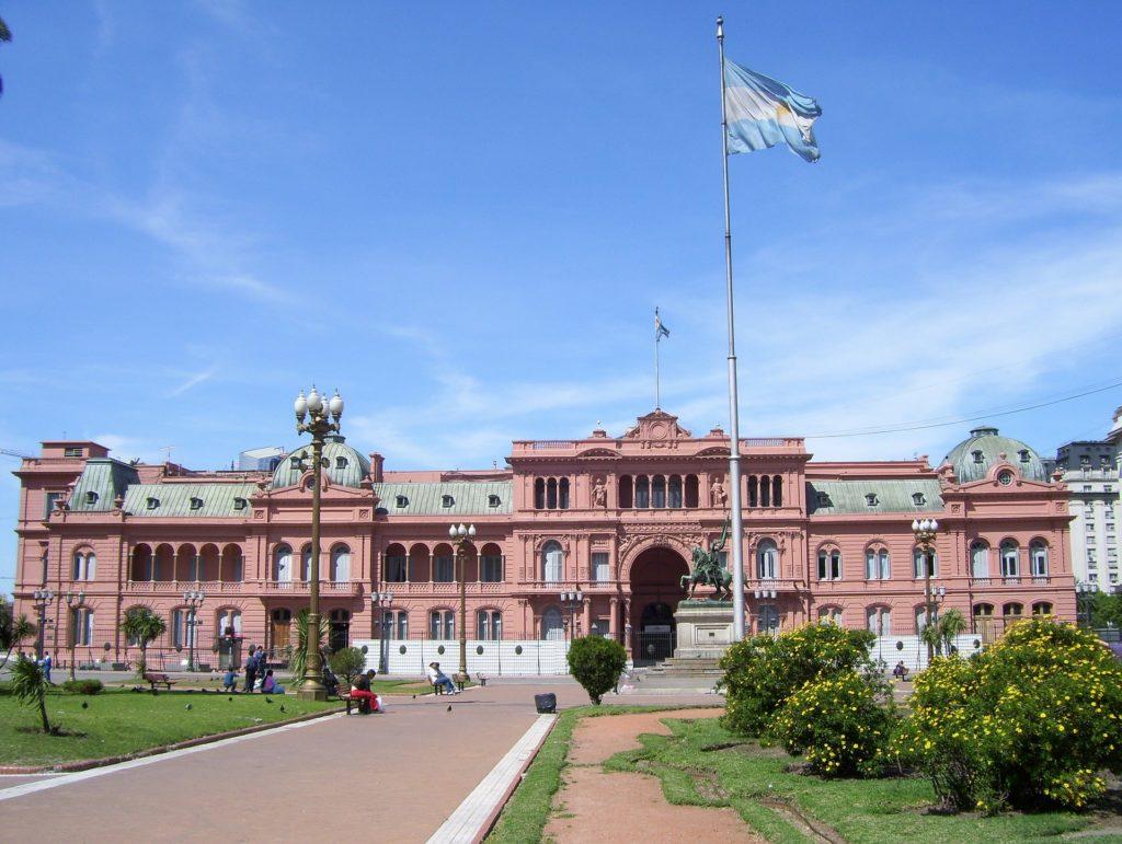 Um dos principais pontos turísticos na Argentina - A Casa Rosada em Buenos Aires