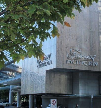 Fachada do hotel Fairmont Pacific Rim, em Vancouver, Canadá
