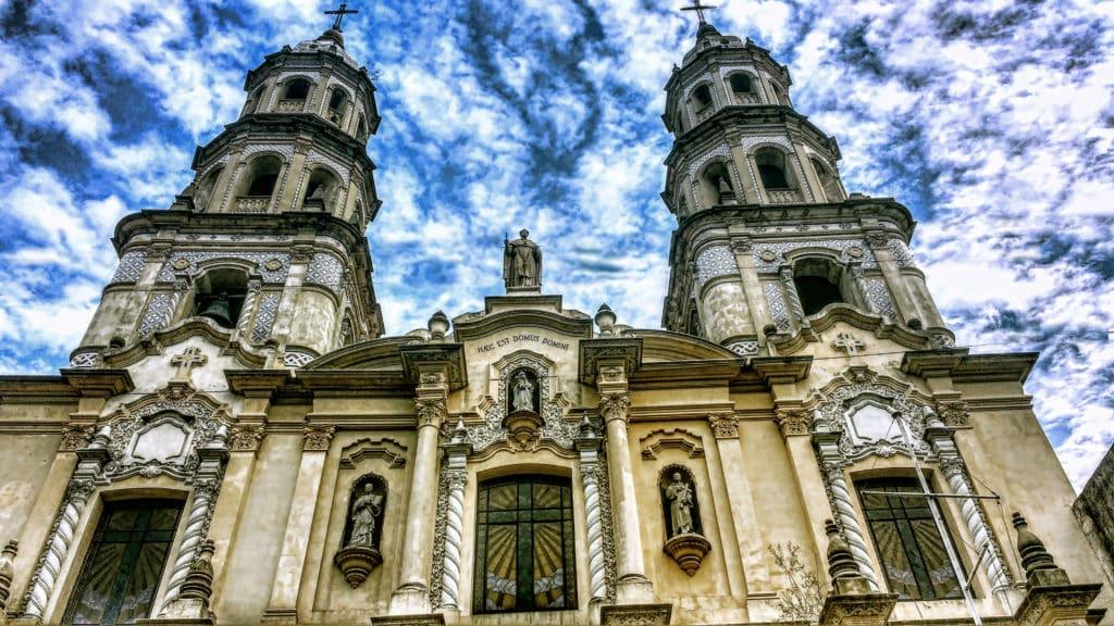 igreja típica de san telmo