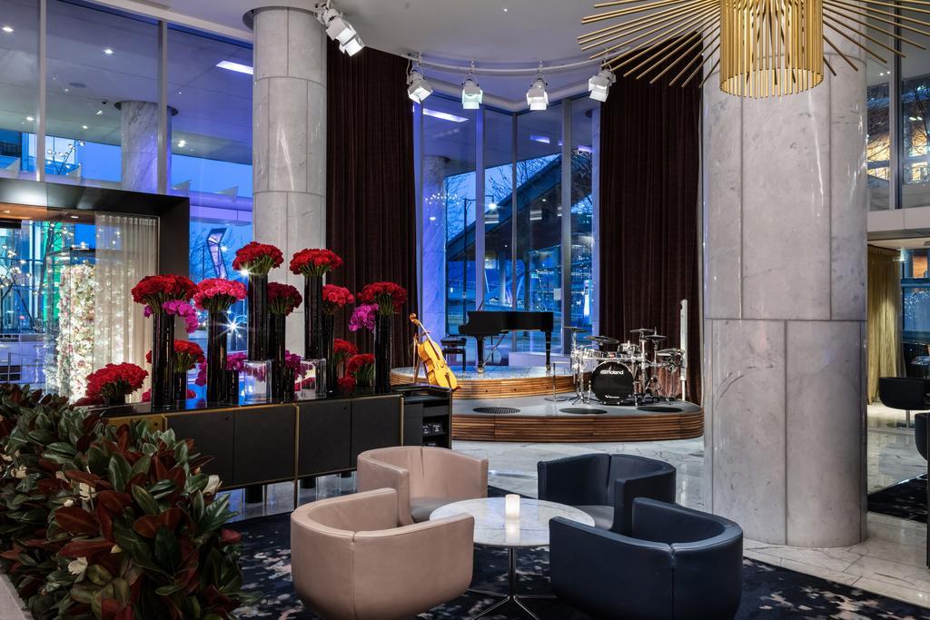 O Lobby Lounge do hotel, espaçoso e com atrações - Foto: Divulgação