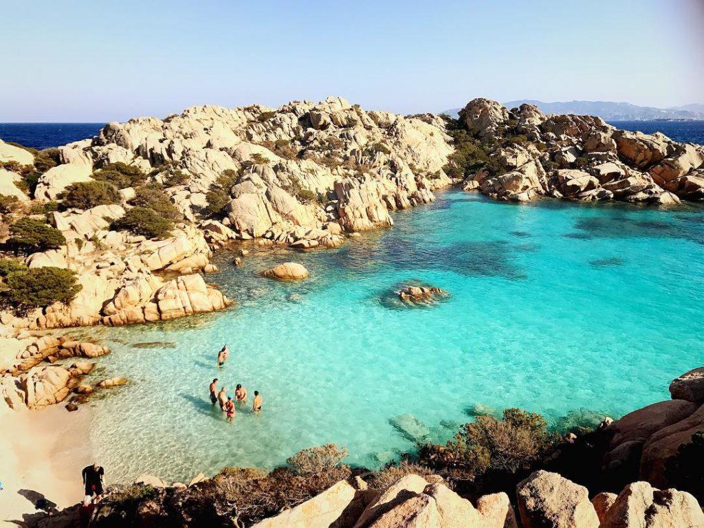 Spiaggia di Cala Coticcio na Sardenha - Foto: Flávio Antunes