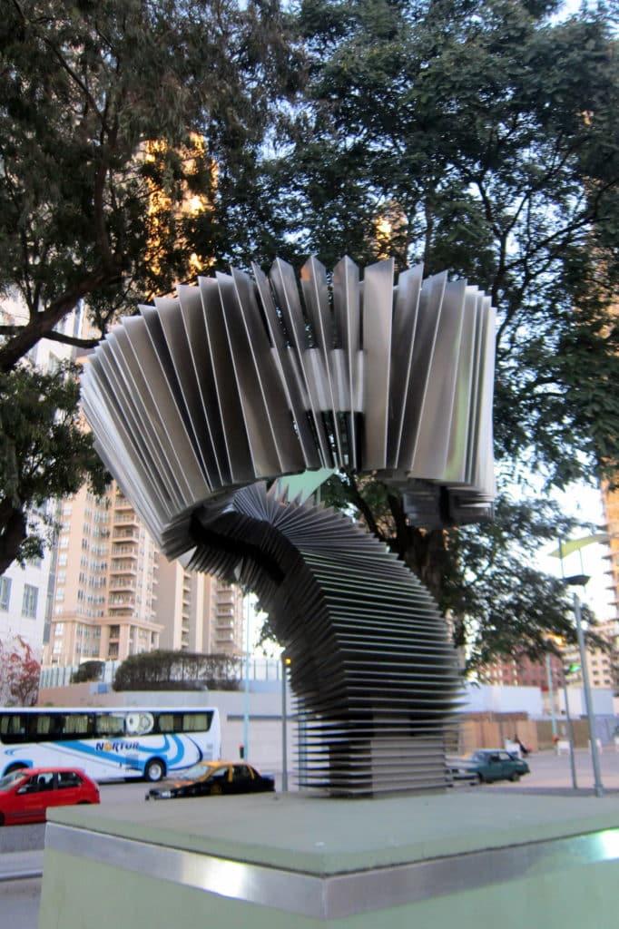 monumento al tango de puerto madero