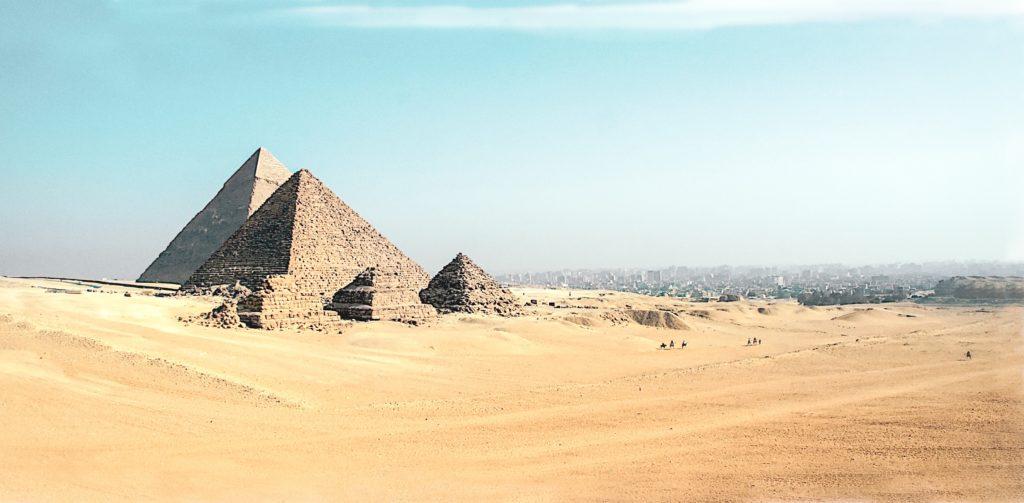 pirâmides de giza no cairo, egito