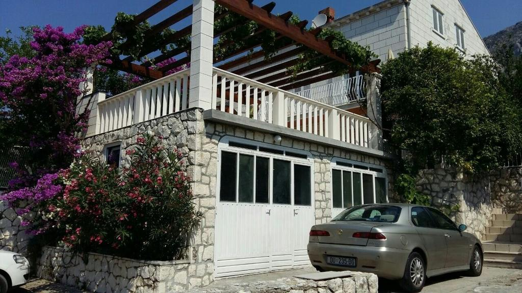 Parte externa do Apartments Husanovic na Croácia