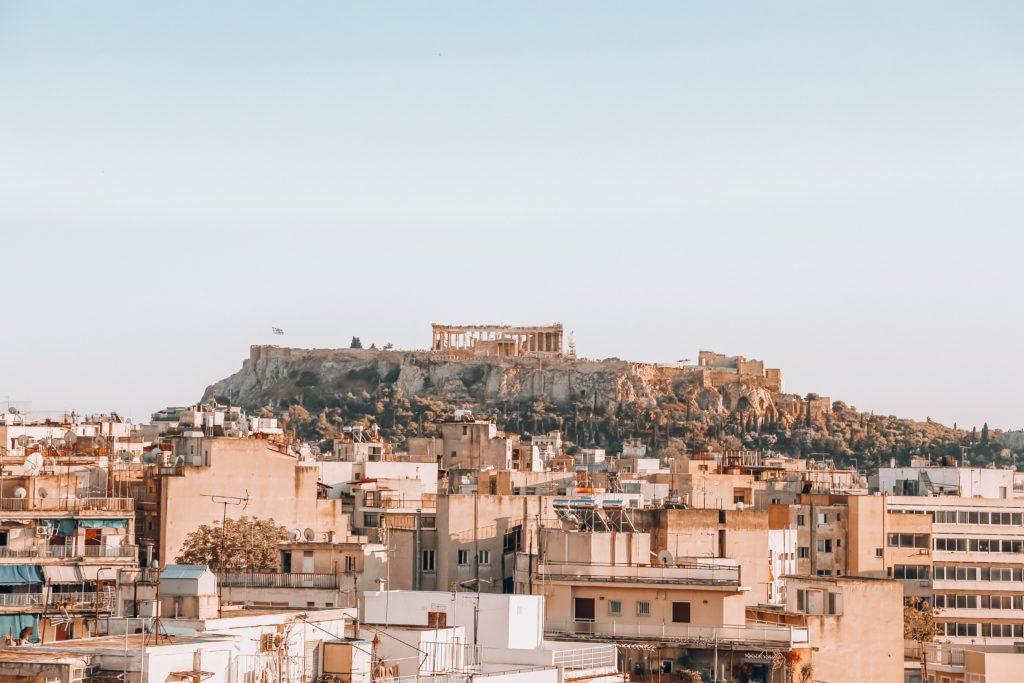 Foto da cidade de Atenas com Acrópole ao fundo