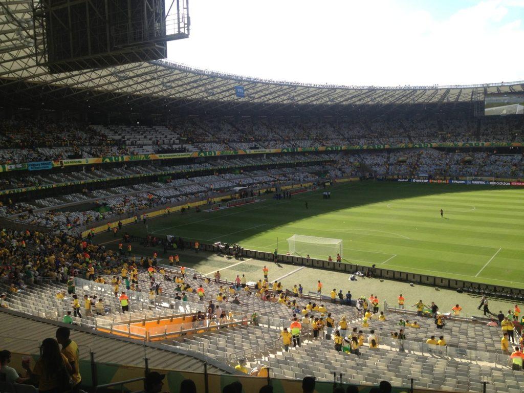 Foto da arquibancada e campo do estádio Mineirão, em Belo Horizonte