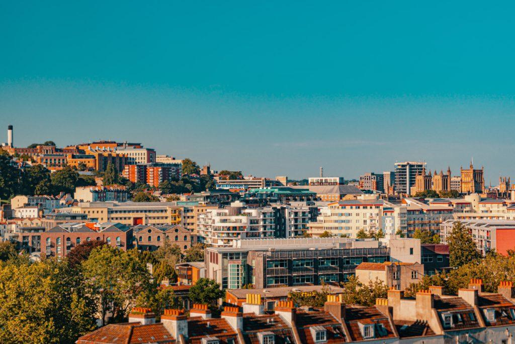 Foto de prédios e casas no centro de Bristol