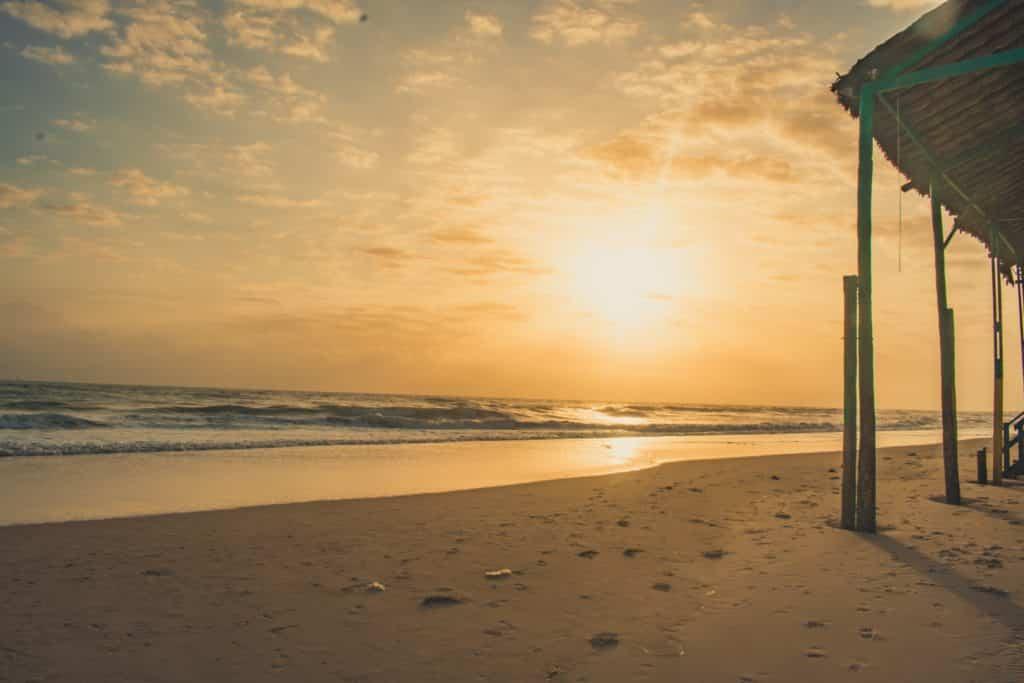 Foto de pôr do sol na praia de Canoa Quebrada