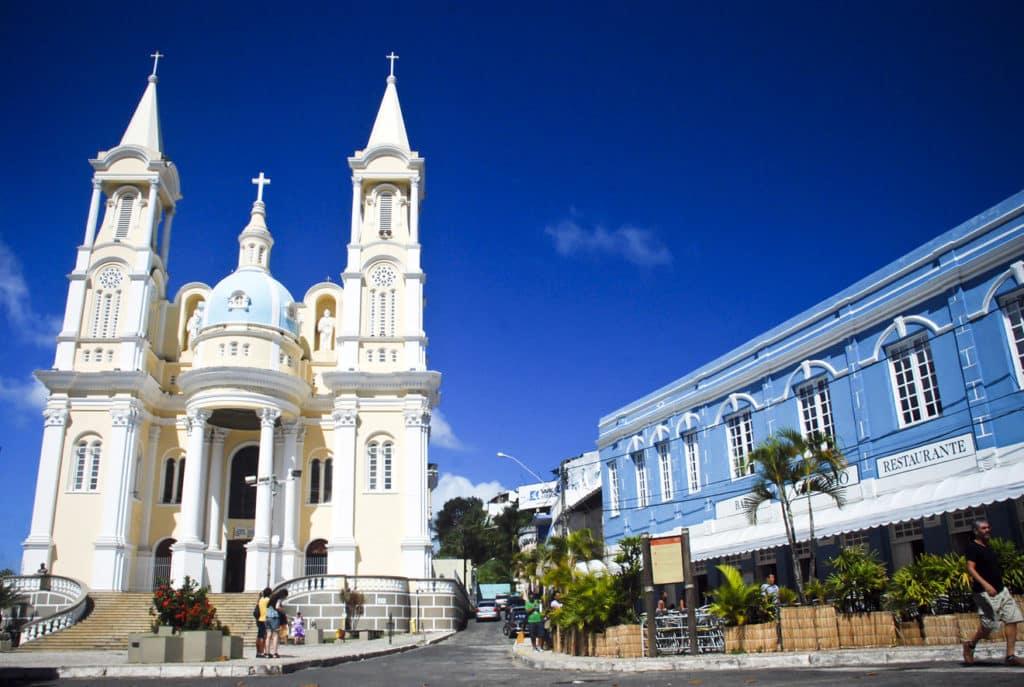 Catedral de São Sebastião e Bar Vesúvio em Ilhéus