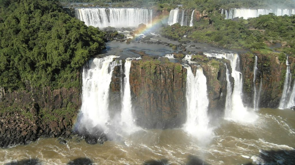 As Cataratas do Iguaçu, outro importante ponto turísticos no Brasil
