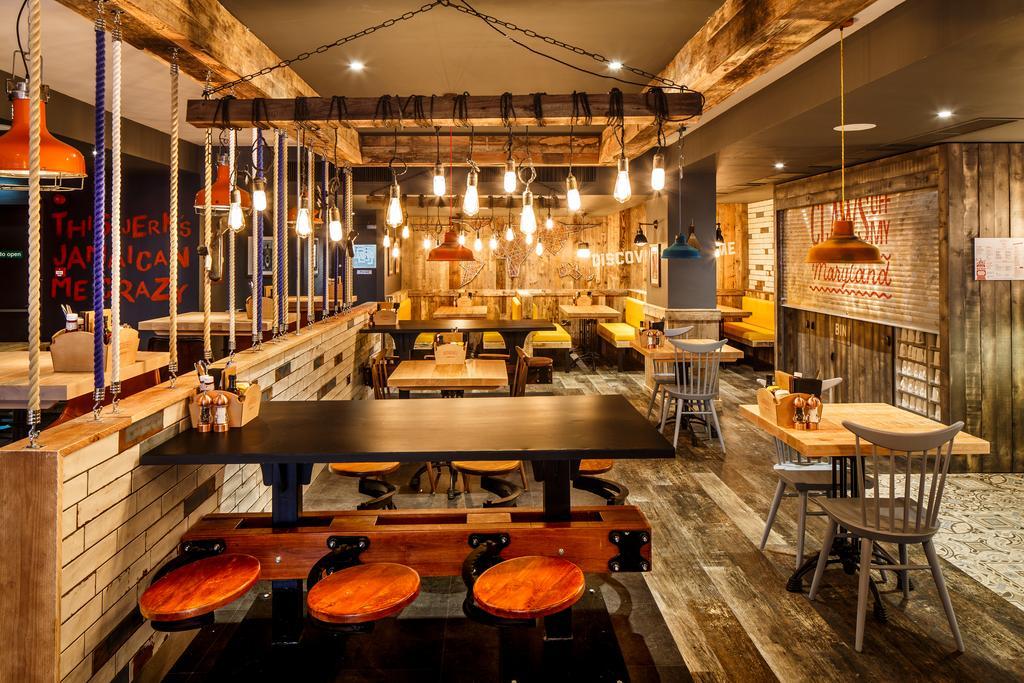 Foto de área comum do restaurante no hotel ibis Styles Manchester Portland