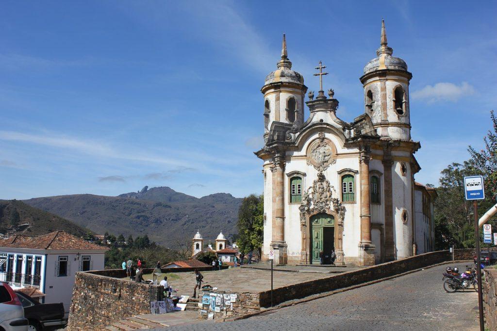 Igreja típica colonial na cidade de Ouro Preto