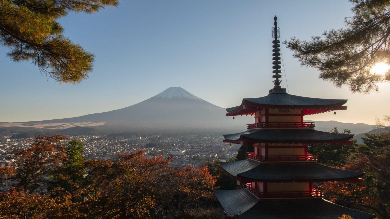 Monte Fuji e castelo típico do Japão