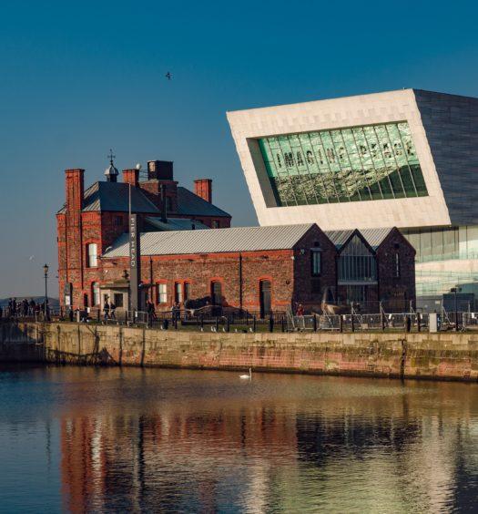 Foto do Pier Head em Liverpool