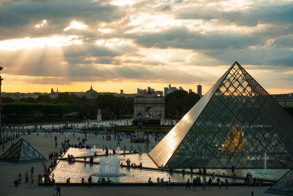 O Museu do Louvre em Paris