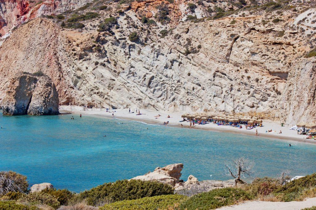 Praia em Milos