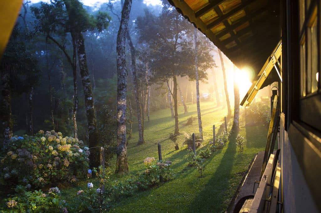 Sol nascendo em Monte Verde - MG