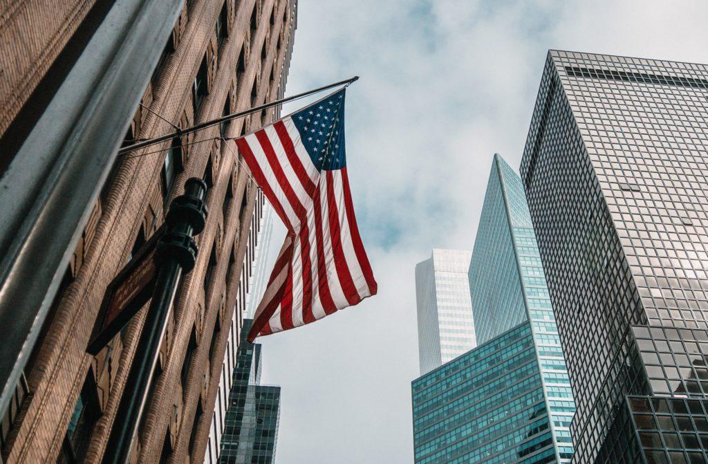 bandeira norte americana que demonstra o chip celular EUA