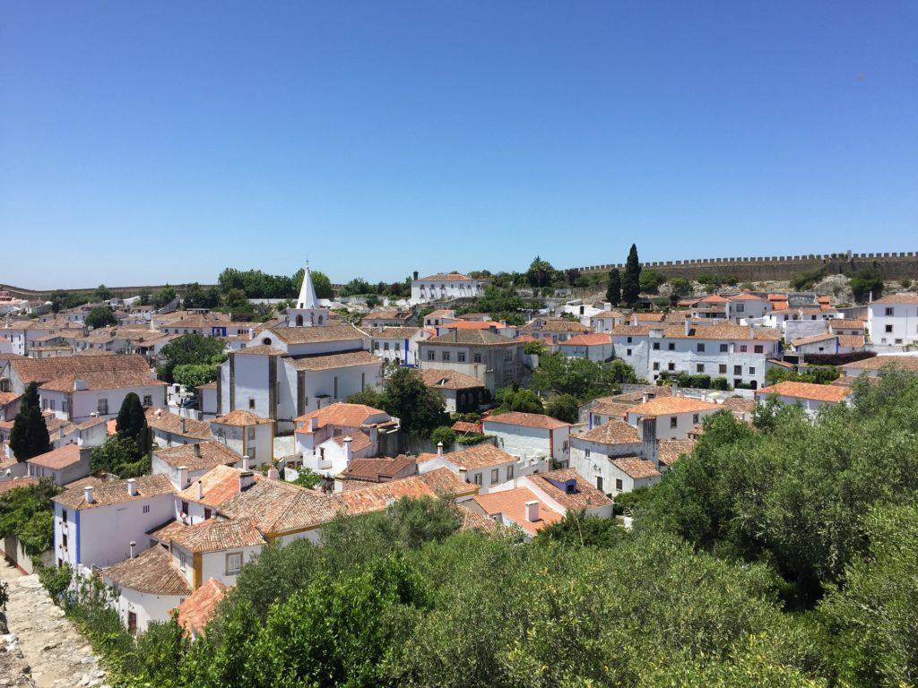 A medieval cidadezinha de Óbidos em Portugal