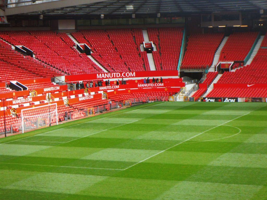 Foto de parte da arquibancada do Old Trafford, estádio do Manchester United