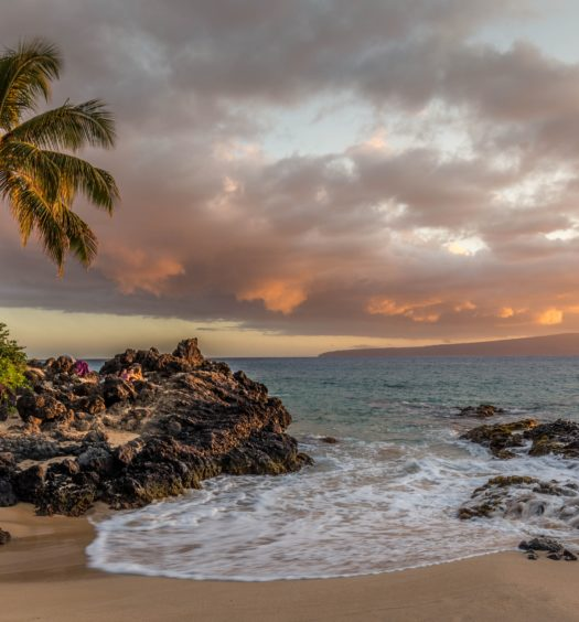 praia de kihei no havaí