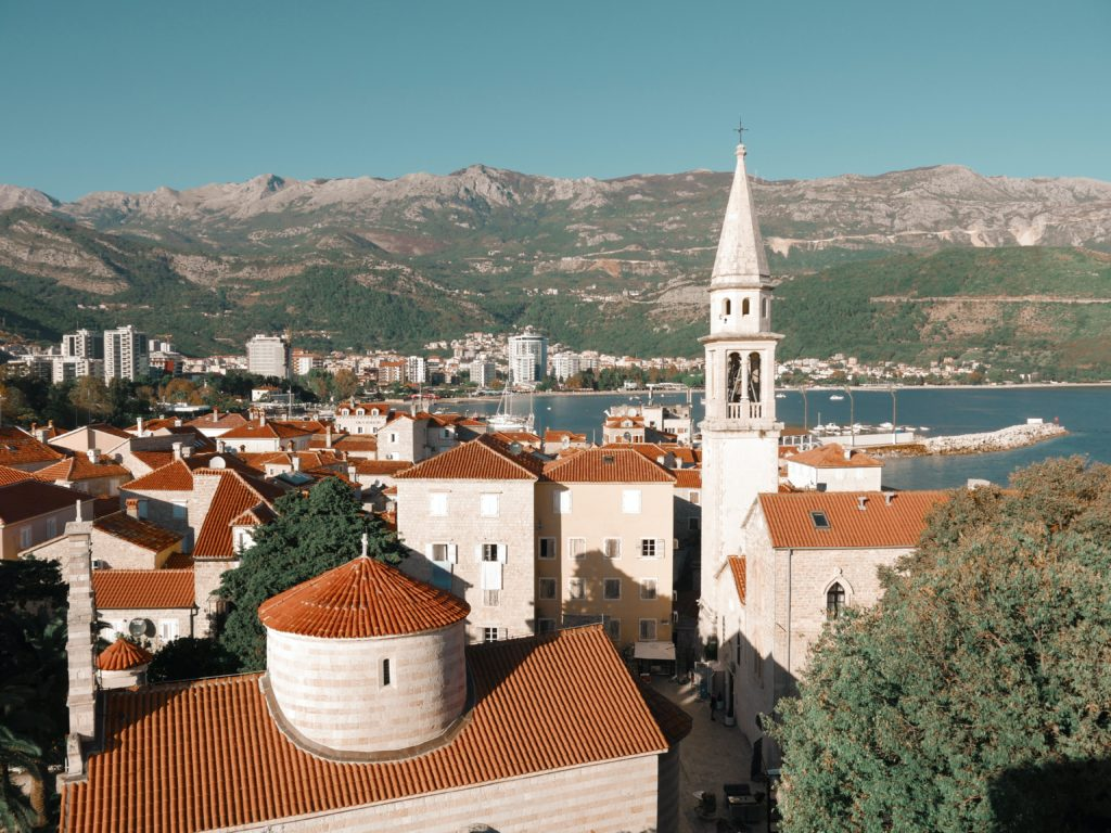 Cidade de Budva em Montenegro