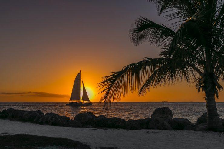 pôr do sol na praia de key west no flórida