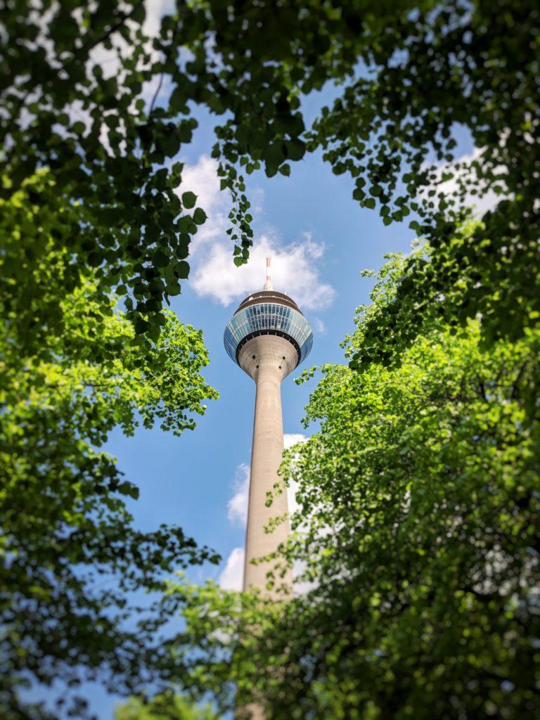 Torre de Rheinturm em Dusseldorf