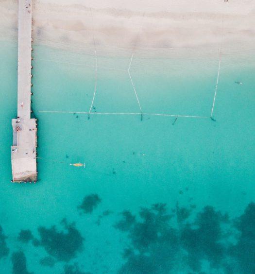 praia de grand case em saint martin no caribe